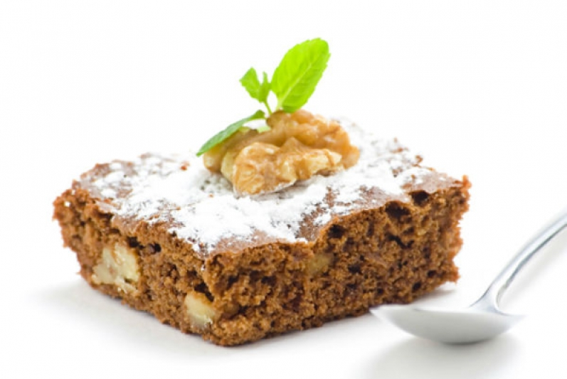 Nut-cake with dried figs
